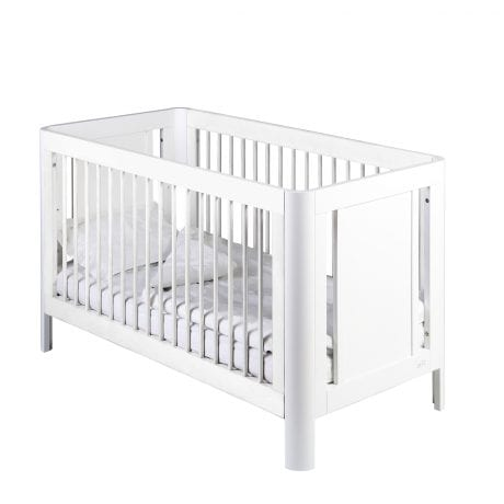 White Troll Sun baby cot with white linen